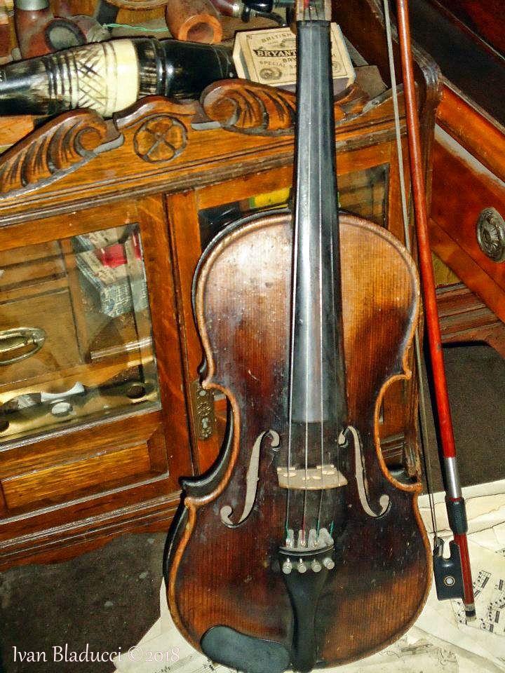 museo sherlock holmes violino 2