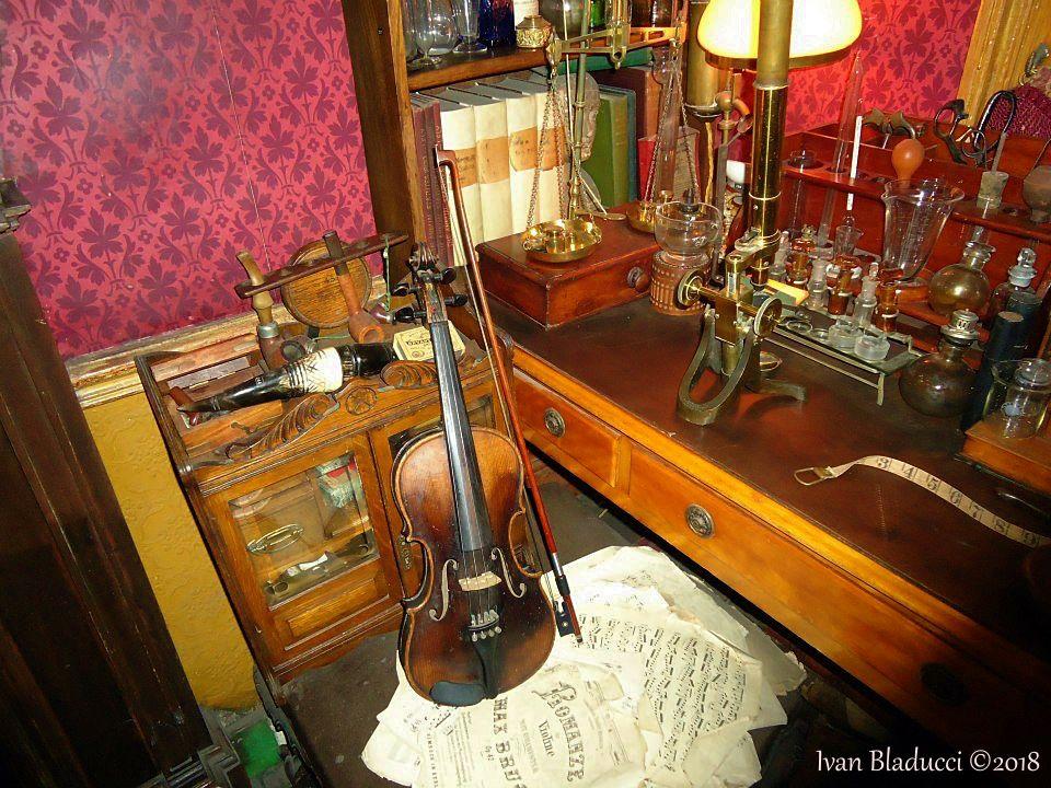 violino, museo sherlock holmes, londra,